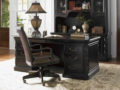 The Sligh Home Office Aylesbury Pedestal Desk is available in the Middletown, MD area from Gladhill Furniture. #GladhillFurniture #FurnitureDesign #HomeOffice