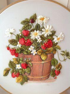 Wonderful Ribbon Embroidery Flowers by Hand Ideas. Enchanting Ribbon Embroidery Flowers by Hand Ideas. Ribbon Embroidery Tutorial, Silk Ribbon Embroidery, Crewel Embroidery, Cross Stitch Embroidery, Embroidery Patterns, Embroidery Tattoo, Embroidery Thread, Machine Embroidery, L'art Du Ruban