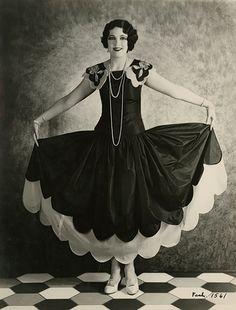 Leone Lane (1928) ...what a fabulous dress
