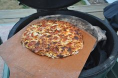Big T's Big Green Egg Recipe Blog: Pizza on the Egg...simple and amazing!