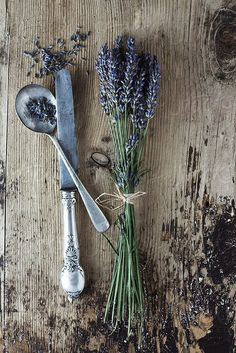 Summer inspiration: the lovely scent of lavender - My Cosy Retreat Lavender Cottage, Lavender Garden, French Lavender, Lavender Fields, Lavender Color, Lavender Wreath, Lavander, House Plants Decor, Plant Decor