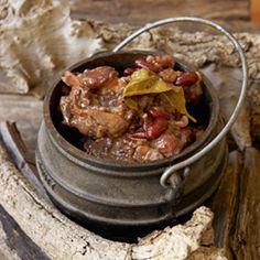 Oxtail stew with mealipap, one of Madiba's favorite recipes Braai Recipes, Oxtail Recipes, South African Dishes, South African Recipes, Cooking Recipes, Meat Love, Oxtail Stew, Curry Stew, Gastronomia