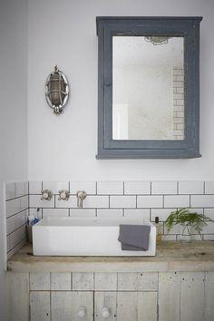 Frog Hill Designs ll www.froghilldesigns.net #bath #room #bathroom #sink #home #decor #design #interior #diy #mirror