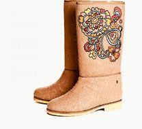 Embroidered valenki. Shutterstock / Legion Media #russia #fashion #boots #valenki #uggs
