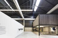 Galería de Edificio de Oficinas y Almacén Industrial Adémia / João Mendes…