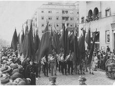 Internationales Jugendtreffen: Aufmarsch beim Reumann-Hof, Wien 1929