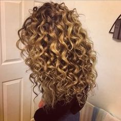 Pinterest : Gold Shawty http://shedonteversleep.tumblr.com/post/157435335253/short-hair-trends-for-2017-short-hairstyles-2017