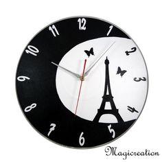 sur commande horloge tour Eiffel dans la lune - Boutique www.magicreation.fr Tour Eiffel, Clock, Boutique, Vinyls, Moon, Wall Clocks, Watch, Clocks, Eiffel Towers