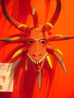 """""""Careta,2011"""" hecho por Miguel Caraballo Gracia, hecho con Carton moldeado y policromado.Es de Puerto Rico."""