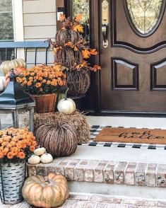 Best outdoor fall decor for an impeccable curb appeal