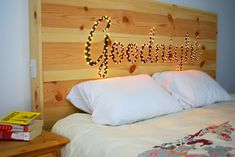 19 Delightful DIY Headboard Designs For Elegant Look In The Bedroom - http://www.diyartdesign.com/19-delightful-diy-headboard-designs-for-elegant-look-in-the-bedroom