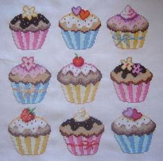 free cup cake cross stich patern | ... FREE forum for Cross Stitchers • View topic - Cupcakes from Cross