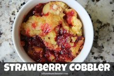 Strawberry Cobbler (Mix and Match Mama) Summer Desserts, Sweet Desserts, Just Desserts, Delicious Desserts, Dessert Recipes, Yummy Food, Berry Smoothie Recipe, Smoothie Recipes, Strawberry Cobbler