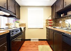 Carnaby Village Townhomes Columbus Ohio Basement For Rent, Columbus Ohio, Townhouse, Apartments, Kitchen Cabinets, Home Decor, Ohio, Terraced House, Interior Design