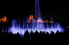 Czy Warszawa jest miastem przyjaznym dla podróżujących rodzin? Zebraliśmy kilkanaście propozycji miejsc, które warto odwiedzić planując tu wizytę z dziećmi.