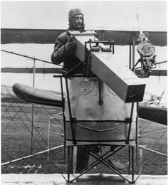 WWI, Farman F 43 plane with camera World War One, First World, Aerial Camera, War Photography, Aerial Photography, Vintage Airplanes, Historical Pictures, Luftwaffe, Aircraft