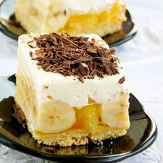 Banana cube with whipped cream and jelly (in Polish) Sweet Recipes, Cake Recipes, Dessert Recipes, Mini Cakes, Cupcake Cakes, Chocolate Ganache Tart, Banana Pudding Recipes, Icebox Cake, Polish Recipes