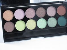 Sleek Makeup Garden of Eden i-Divine Eyeshadow Palette Review and Swatches