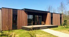 En 15 jours, deux architectes français construisent une maison zéro énergie