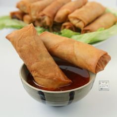 These crunchy and delicious spring rolls Lumpia are the perfect appetizers for any party and great for snacking too These can be made fully vegetarian or a little meat ma. Filipino Appetizers, Filipino Recipes, Vegetarian Appetizers, Asian Recipes, Appetizer Recipes, Chinese Recipes, Filipino Food, Vegetarian Recipes, Lumpia Recipe