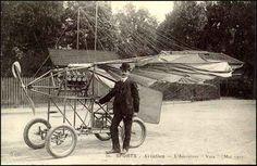 Une carte postale avec Vuia et sa machine volante, Vuia 2, en 1907.