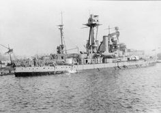 HMS Gorgon was one of the two Gorgon-class monitors. She was was ordered by Norway in 1913 to supplement the older Eidsvold class and Tordenskjold class. Merchant Marine, Naval History, Navy Ships, Submarines, Historical Pictures, Royal Navy, Water Crafts, Battleship, World War I