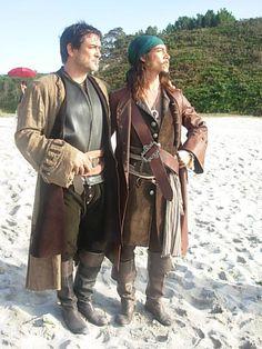 Miguel Ortiz en la serie Piratas con Oscar Jaenada