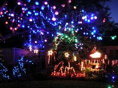 Google Image Result for http://upload.wikimedia.org/wikipedia/en/3/3b/Suburban_Christmaslights.JPG