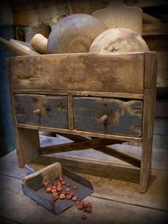 This is a wonderful primitive piece...