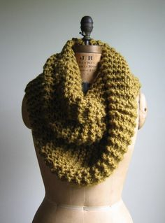 wanna make. // I am trying to find someone to teach me how to crochet and/or knit. Any takers?