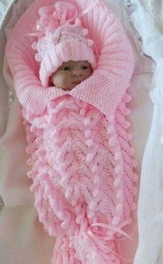 Crochet Baby Bunting Cocoon Hat Patterns New Ideas Baby Knitting Patterns, Baby Patterns, Blanket Patterns, Knitted Baby Blankets, Baby Girl Blankets, Baby Blanket Crochet, Baby Cocoon Pattern, Crochet Baby Cocoon, Hat Crochet