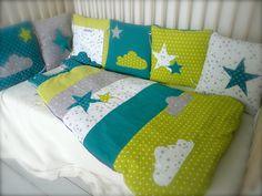Tour de lit et gigoteuse 0-6 mois Nuages et Etoiles vert anis bleu canard, gris et blanc : Mode Bébé par little-fish-shop