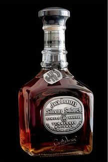 Jack Daniel's Silver Select Retour de New York Déc 2014 Whiskey Girl, Cigars And Whiskey, Scotch Whiskey, Bourbon Whiskey, Whiskey Bottle, Tennessee Whiskey, Whisky Jack Daniels, Jack Daniels Bottle, Alcohol Bottles