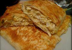 Предлагаем вам приготовить очень вкусный и сытный пирог с курицей и сыром из лаваша