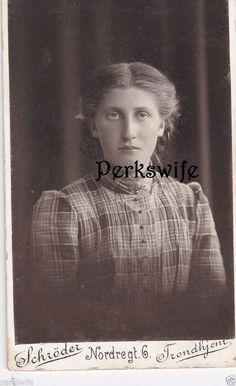 CDV Carte de Visite Photograph European Girl Young Lady Young Woman Trondhjem