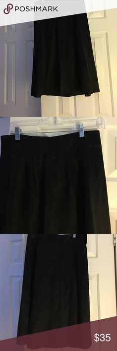 Black Skirt Cute Skirt with belt loops back zipper lined 54% silk and 46% cotton lined in 100% acetate Banana Republic Skirts
