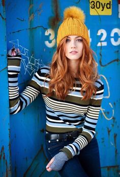 Katherine McNamara is a young red-haired American actress she is only 22 years old! Katherine McNamara best known for the filming of the movies Maze Runner and Katherine Mcnamara, Pretty People, Beautiful People, Redhead Hairstyles, Redhead Girl, Redhead Fashion, Beautiful Redhead, Ginger Hair, Auburn Hair