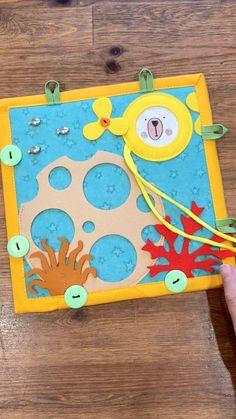 Toddler Speech Activities, Sensory Activities, Baby Quiet Book, Felt Quiet Books, Baby Sensory, Sensory Play, Toddler Crafts, Toddler Toys, Activity Mat
