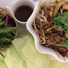 Ahhh Summer food, Stir fried beef with lettuce cups. Stir Fry Recipes, Top Recipes, Copycat Recipes, Summer Recipes, Asian Recipes, Great Recipes, Snack Recipes, Cooking Recipes, Favorite Recipes