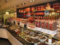 Favours - Chocolate from Bruges?
