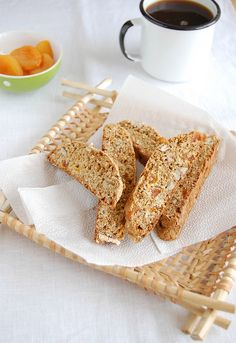 Ooooh, I love biscotti.  Oatmeal biscotti means I can have it for breakfast without feeling guilty!