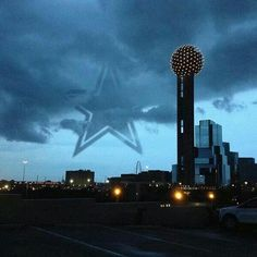 The Cowboy star hangs over the metroplex! Texas Cowboys, Dallas Cowboys Football, Dallas Texas, Football Baby, Dallas Skyline, Seattle Skyline, Football America, How Bout Them Cowboys, Willis Tower