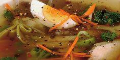 Egy finom Csirkekocsonya gazdagon vacsorára, ebédre Caprese Salad, Ethnic Recipes, Food, Meals, Yemek, Insalata Caprese, Eten