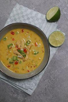 Tom Kha Kai, Soup Recipes, Healthy Recipes, High Tea, Soups And Stews, Cheeseburger Chowder, Thai Red Curry, Food To Make, Dinner