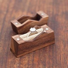 Mountain ring box. Cute. X