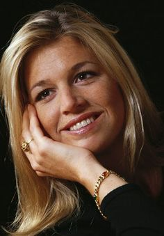 Princess Máxima Zorreguieta Cerruti Argentina wife of Prince Willem-Alexander (Willem-Alexander Claus George Ferdinand) Prince of Orange, Netherlands heir. Queen Of Netherlands, Royal Dutch, Royals, Do It Yourself Jewelry, Royal Queen, Dutch Royalty, Beautiful Inside And Out, Beautiful People, Queen Maxima