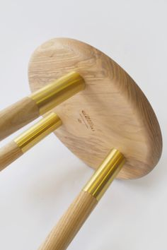 Tool Stool is a minimalist design created by England-based designer Daniel Schofield. The Tool Stool gets its inspiration from the way knife and tool blades are traditionally fixed to the handle using a brass rivet. Wooden Furniture, Furniture Decor, Furniture Design, Joinery Details, Low Stool, Wood Joinery, Scandinavian Interior Design, Wooden Stools, Furniture Inspiration