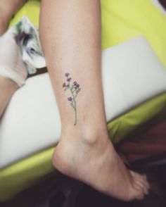 Tiny flower tattoo Made by me
