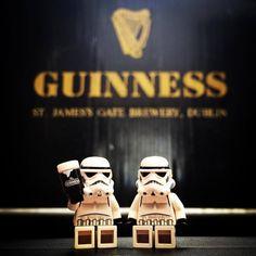 Lego Stormtrooper, Star Wars Figurines, Lego Figures, Custom Lego, Star Wars Humor, Toys Photography, Guinness, Lego Star Wars, Legos