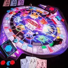 Star Wars Monopoly ist das Brettspiel für Star Wars Fans. Ein passendes Geschenk für die Familien, Gesellschaftsspieler und Star Wars Enthusiasten.